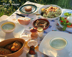 A picnic supper in Italy