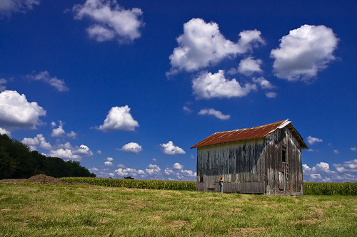 old sky clouds barn rural d50 nikon rust country maryland easternshore explore worn villa weathered puffy talbot oldbarn talbotcounty explored