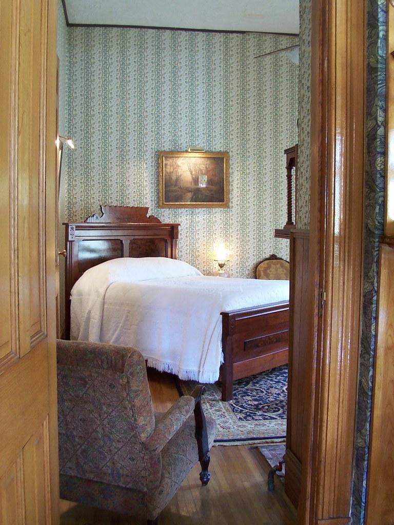 Velvet drape panels velvet drape auto windshield shade for Master bedroom downstairs