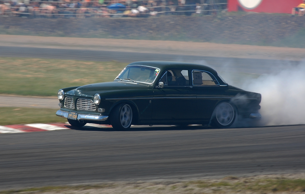 Volvo Amazon drift - a photo on Flickriver
