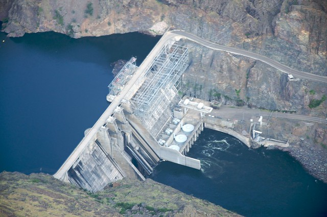 Hells Canyon Dam 1