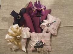 gift(0.0), pink(0.0), art(1.0), textile(1.0), flower(1.0), purple(1.0), wedding favors(1.0), petal(1.0),