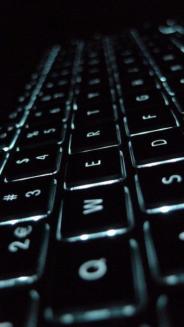 how to clean macbook air keyboard after spill