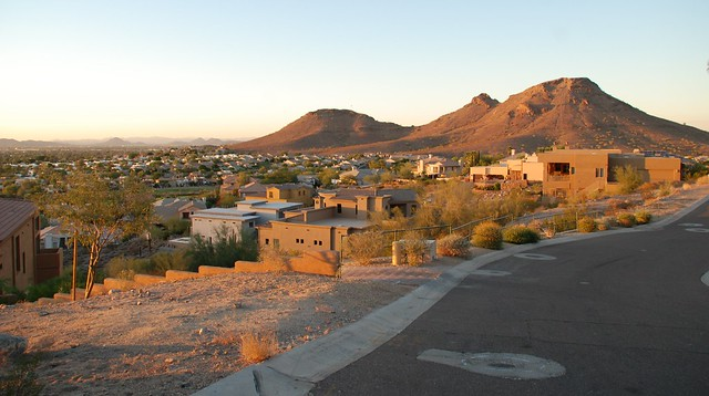 Phoenix, Arizona by Flickr CC Humberto Moreno