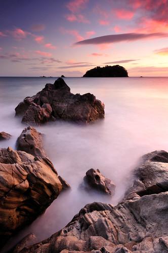 newzealand seascape sunrise island northisland 1224mm afs dx bayofplenty d300 f4g ifed mountmaunganui zoomnikkor