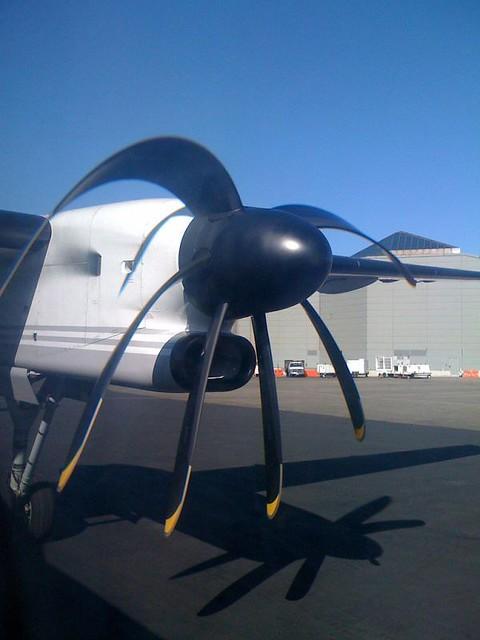 CMOS + rolling shutter = floppy airplane propeller