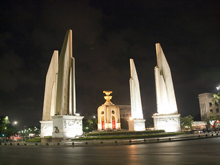Afbeelding van Democracy Monument. light night thailand bangkok zuiko democracymonument 18180mm e620