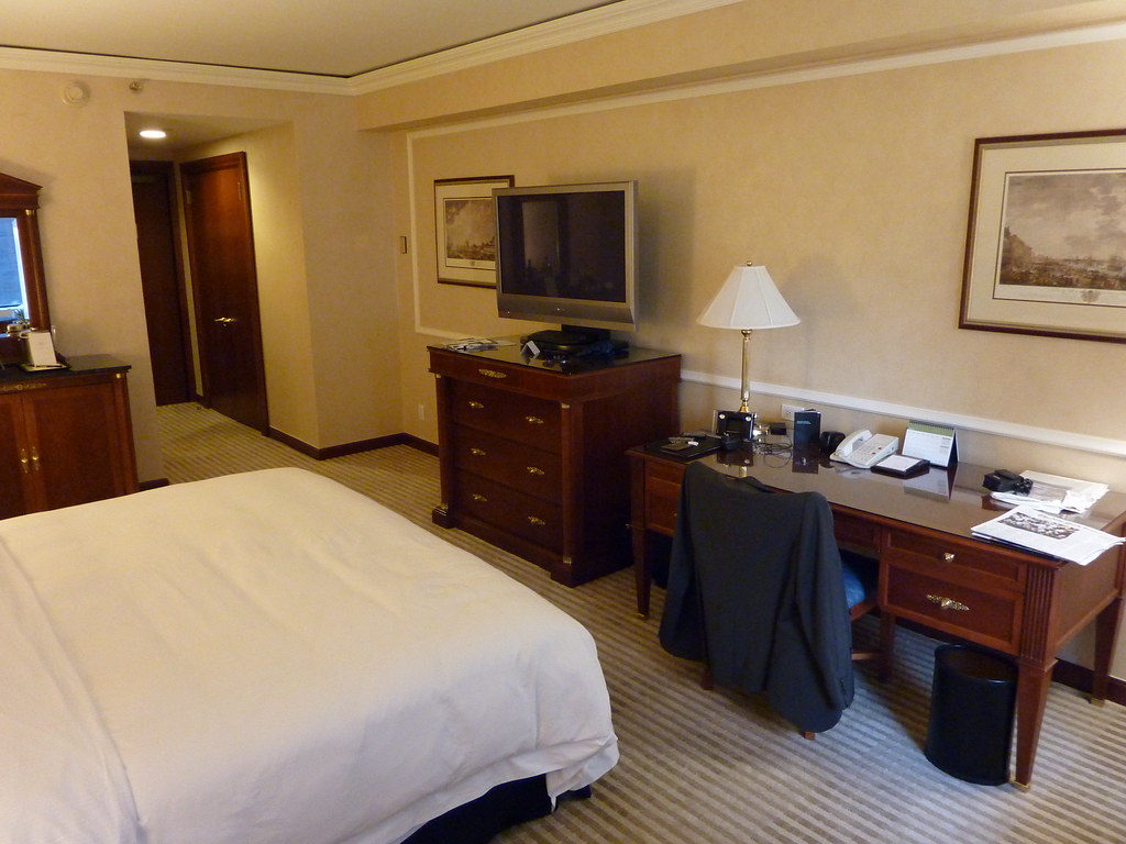New York Palace Hotel Room 1607 (3)