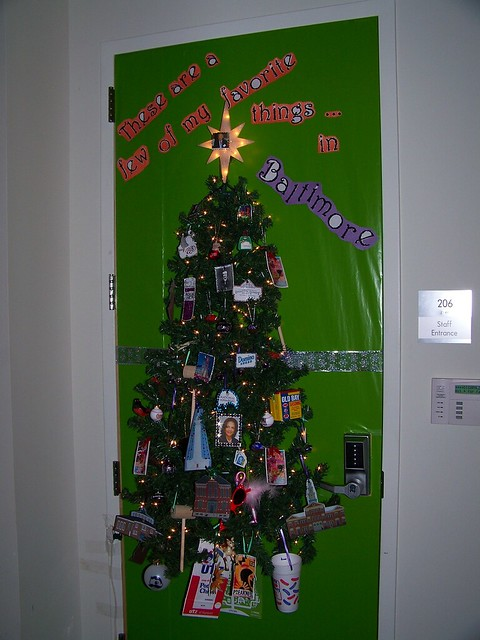 2009 HOLIDAY DOOR DECORATING CONTEST | Flickr - Photo Sharing!