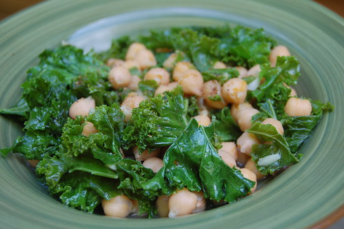 indian spiced kale & chick peas