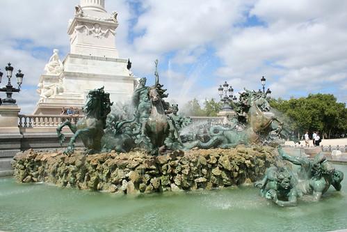 2008.08.04.065 - BORDEAUX - Place des Quinconces - Monument aux Girondins