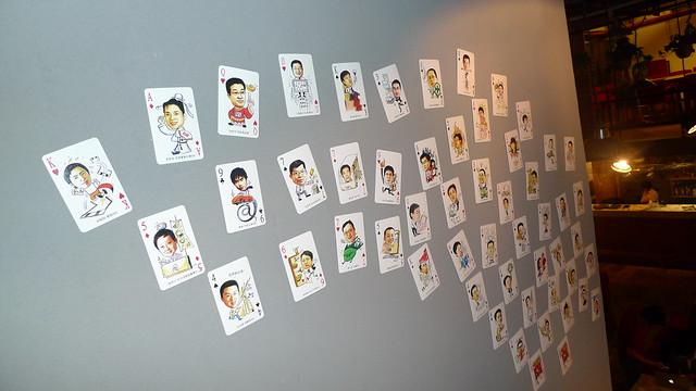 墙上的扑克头像