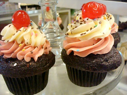 Neapolitan Cupcakes from Trophy Cupcakes