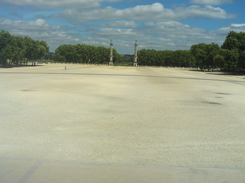 2008.08.04.044 - BORDEAUX - Place des Quinconces