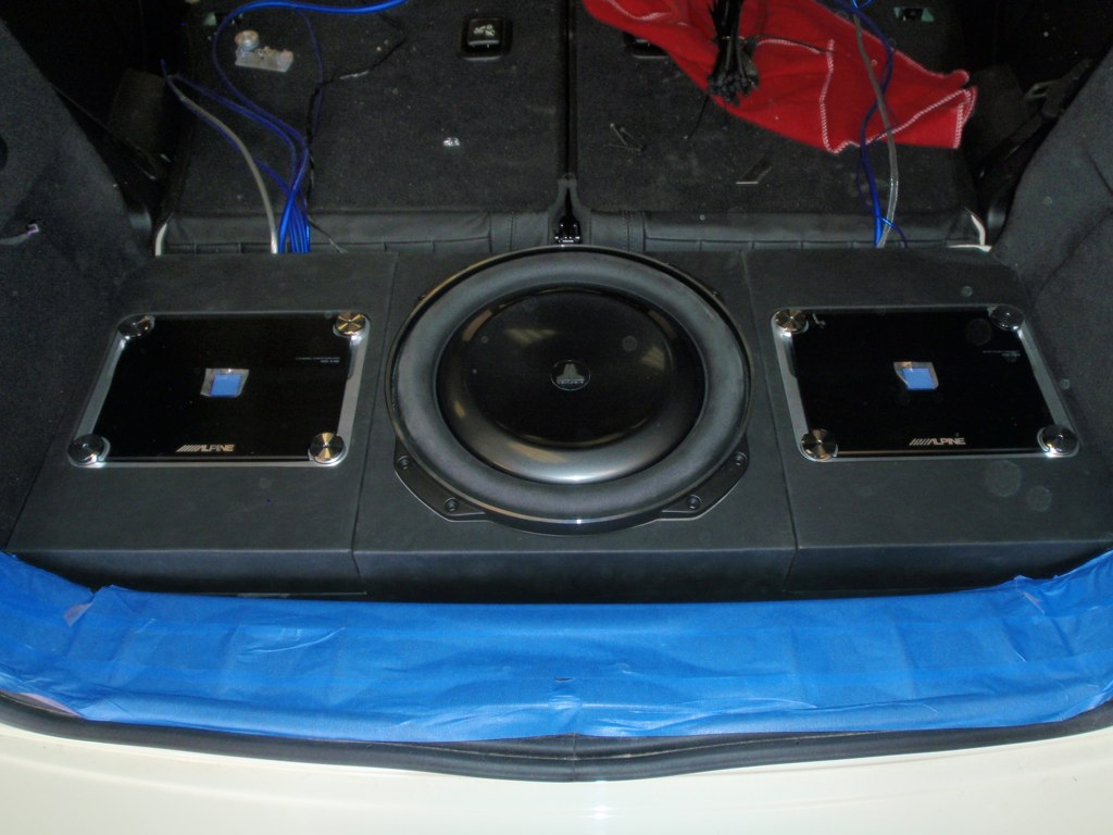 my audio upgrade installation north american motoring. Black Bedroom Furniture Sets. Home Design Ideas