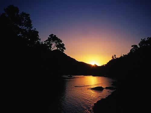 chile sunset sunrise trekking atardecer backpacking montaña cordillera regióndelmaule chilecentral cordilleradelosandes ríoachibueno valledelachibueno