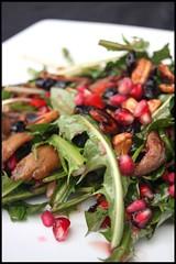 Salade de poulet ou dinde aux airelles séchées, noix de cajou et grenade