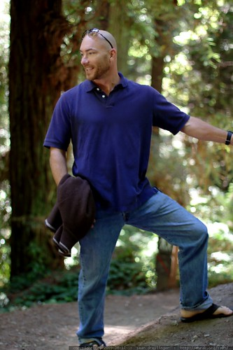 walking in the humboldt redwoods    MG 1066