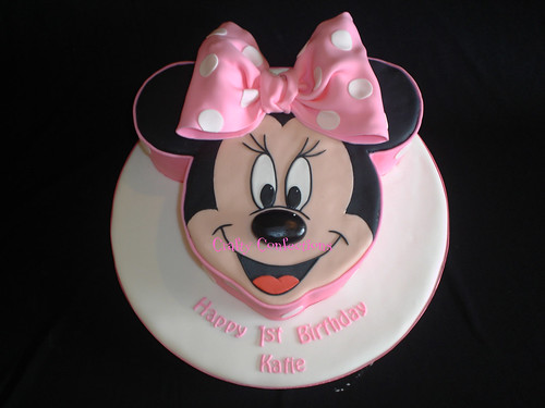 Minnie Mouse cake (again!)