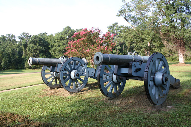 Revolutionary War Cannons - Bing images
