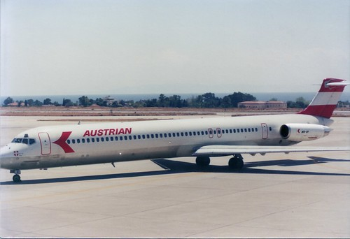 AUSTRIAN OE-LDR MD-81 (ATH'85)