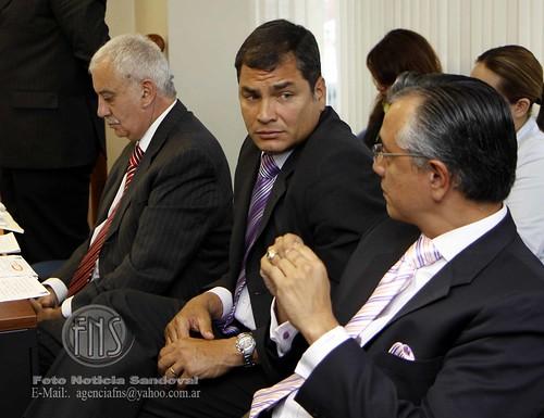 Correa fue a audiencia por banco pichincha