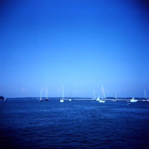 ocean blue sea mediumformat boats longisland 120film newyorkstate 2009 sagharbor holga120n fujicolorpro160s