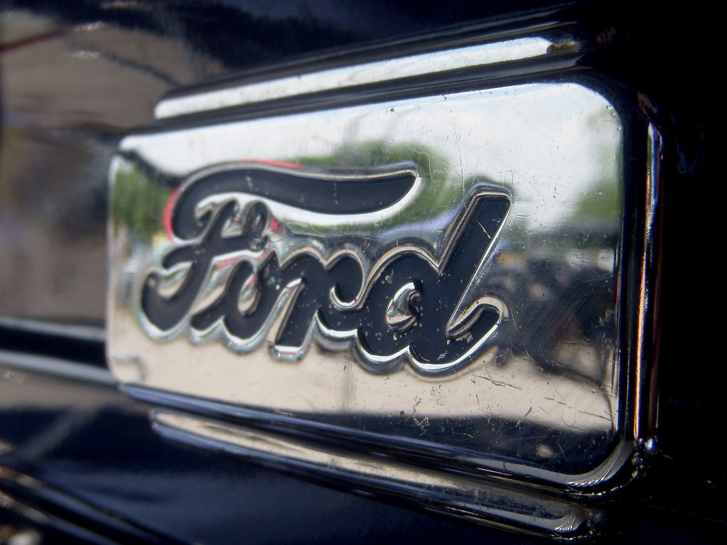 1954 Ford F-100 Engine Ornament