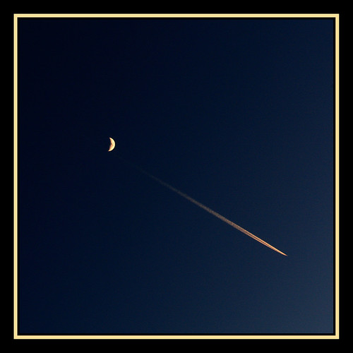 sunset orange moon plane scotland meetup jet aeroplane flickrmeetup vapourtrail digitalcameraclub scrumsrus andystuart durnessflickrmeet durnessflickrmeetup