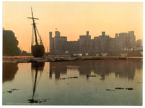 [General view, sunset, Carnarvon Castle (i.e. Caernarfon), Wales] (LOC)