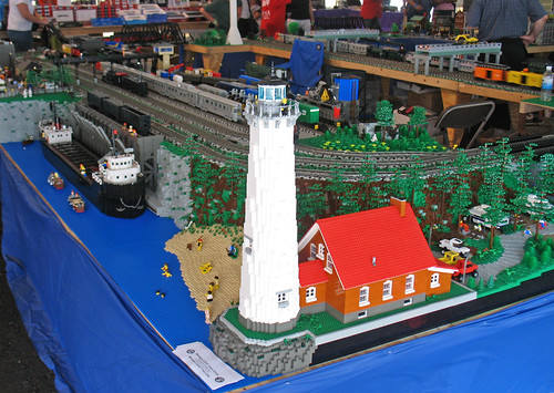Flickr the train festival 2009 pool - Idee construction lego ...