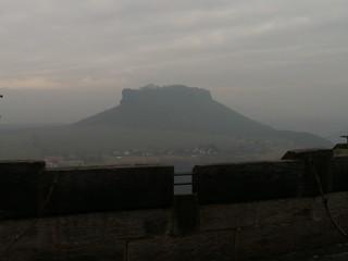 Festung Königstein Festungsbauwerk mit Blick auf den Elbbogen bei Königstein 600