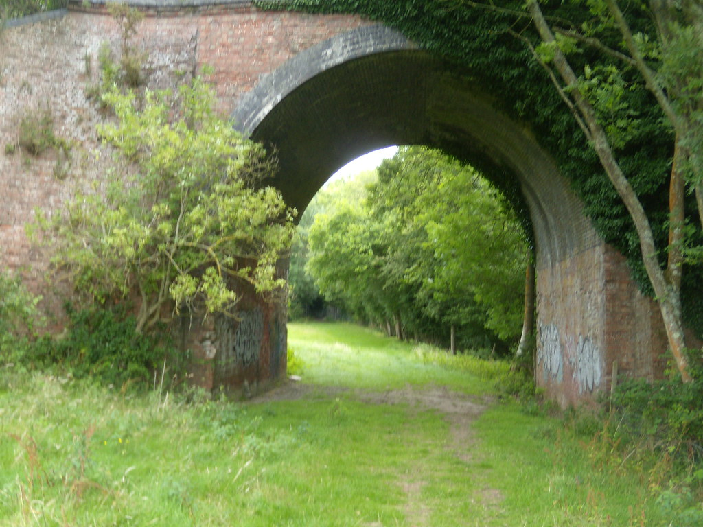 Disused arch Crowhurst to Battle