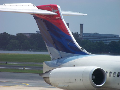 Delta MD-88 Tail