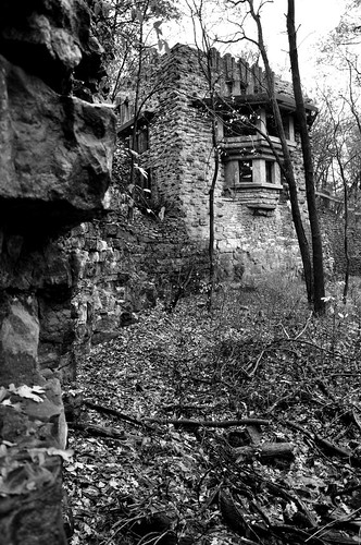 city walter cliff white house black stone architecture mason style iowa architect prairie griffin burley melson