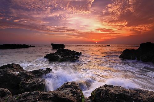 longexposure light sunset sea sky bali seascape beach nature water indonesia landscape rocks shoreline westcoast echobeach canggu efs1022mmf3545usm outdoorphotography thisevening canoneos50d tropicaliving yourwonderland rawproccessedwithdigitalphotopro tiffproccessedwithadobephotoshopcs3 singhraydarylbensonreversendgrad