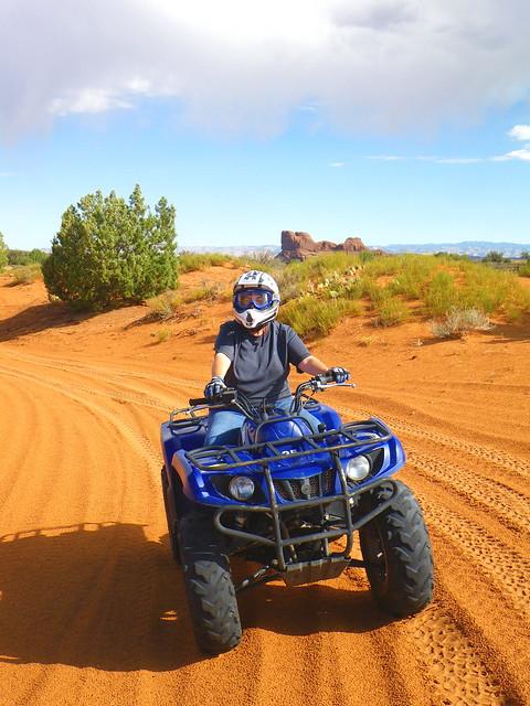 Lo Riding ATV