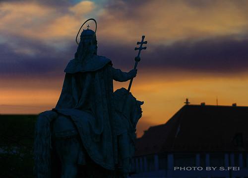 sunset statue king dusk budapest 日落 hungray 雕像 暮色 匈牙利 stistvan 布达佩斯 国王 fishmensbastion 渔人堡 圣伊斯特万