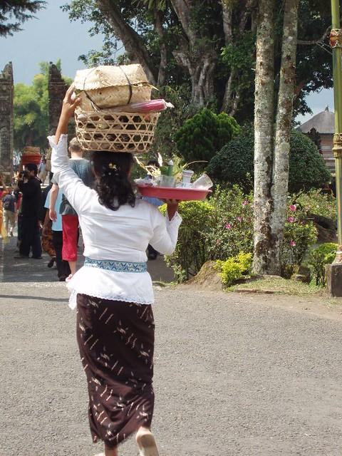 200907150304_Pura-Ulun-Danu-Bratau