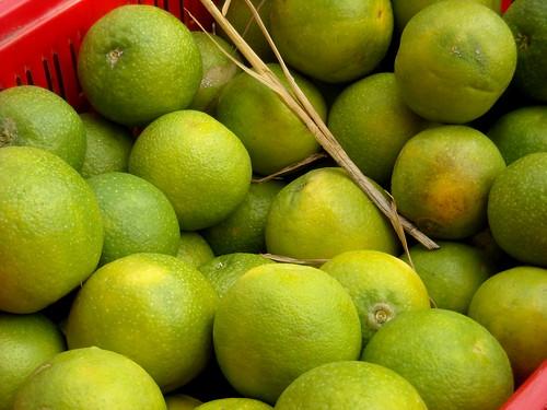 India - Koyambedu Market - Sweet Lime 02