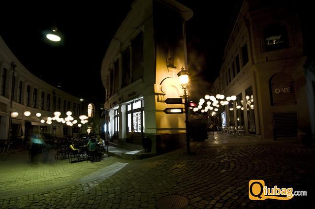 Knajpki w Tbilisi w nocy
