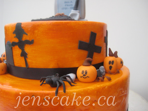 Halloween Cemetery Cake http://www.flickr.com/photos/28417871@N08/3991516210/
