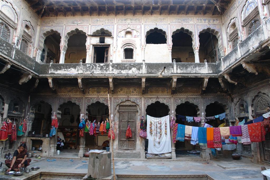 Interior de un Haveli en Mandawa (Rajasthan - India) Mandawa, La esencia rural de los Haveli - 4068904163 44b5a1a322 o - Mandawa, La esencia rural de los Haveli