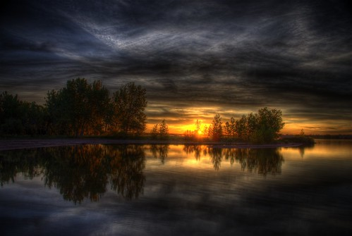 sunrise chatfield lake littleton denver colorado 200905 hdr photomatix sky clouds sun sunlight orange yellow blue gray water reflection trees statepark reservoir wikipedia explore 340x7