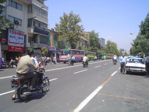Mota nas ruas de Teerão no Irão
