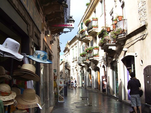 Taormina-Sicilia-Italy - Creative Commons by gnuckx