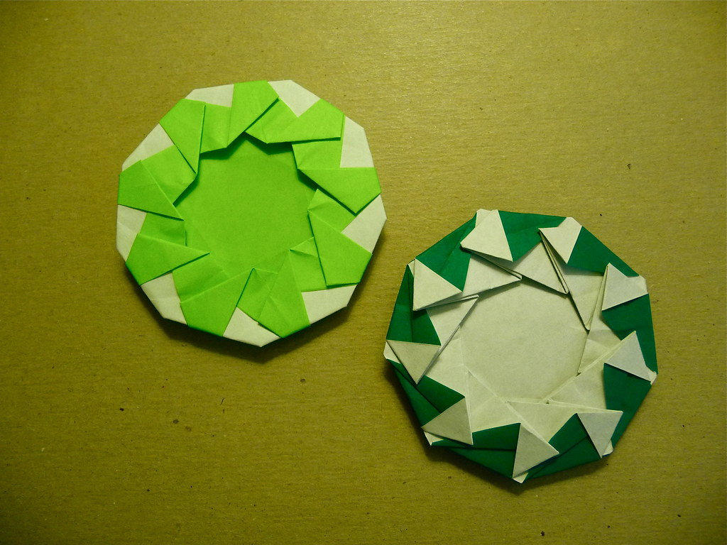 Post-Modular Nonagon Wreaths