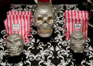 Halloween table - Skull candy bags