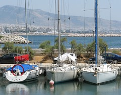 sailing ship(0.0), luxury yacht(0.0), yacht(0.0), ship(0.0), dock(0.0), passenger ship(0.0), catamaran(0.0), sail(1.0), sailboat(1.0), vehicle(1.0), sailing(1.0), sea(1.0), bay(1.0), mast(1.0), harbor(1.0), watercraft(1.0), marina(1.0), boat(1.0),