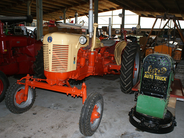 1956 Case Tractor : Case this tractor spent it s life on hill